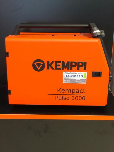 Seitenansicht KEMPPI Kempact Pulse 3000 gasgekühlt