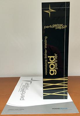 Zertifikat und Pokal Gold-Partner