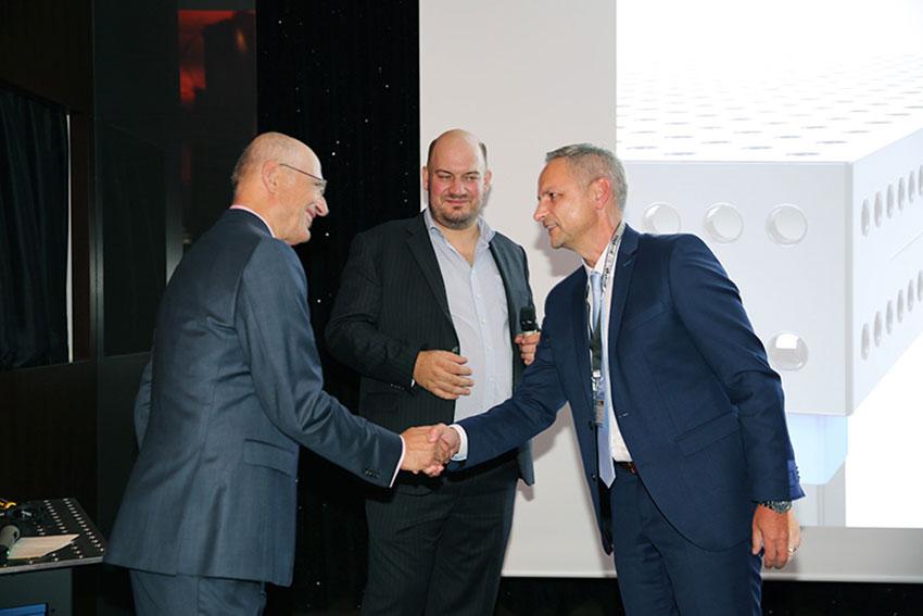 Gratulation durch Dipl.-Ing. Bernd Siegmund und Daniel Siegmund