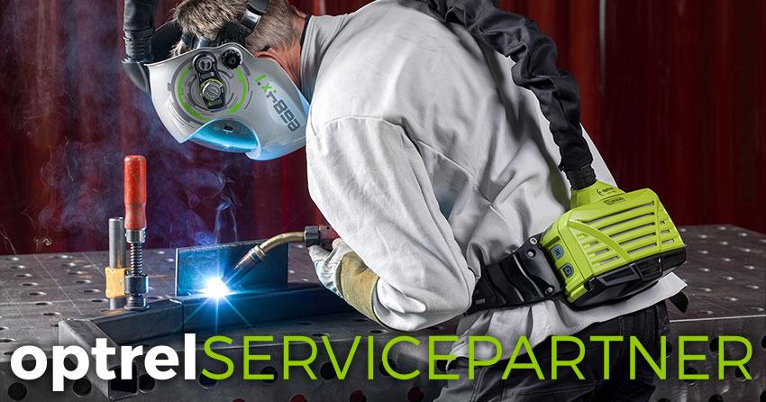 Schweißer mit Atem-Schutzausrüstung - optrel Servicepartner